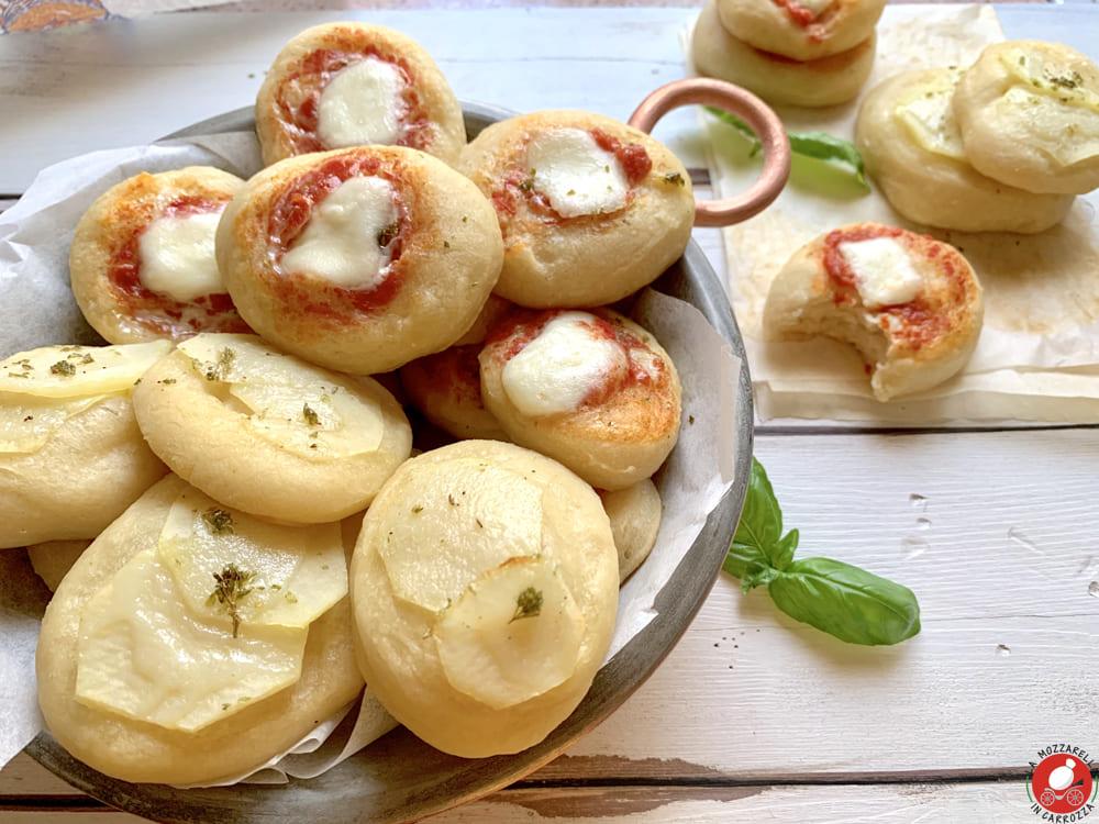 La Mozzarella in Carrozza - Fluffy Italian pizzette