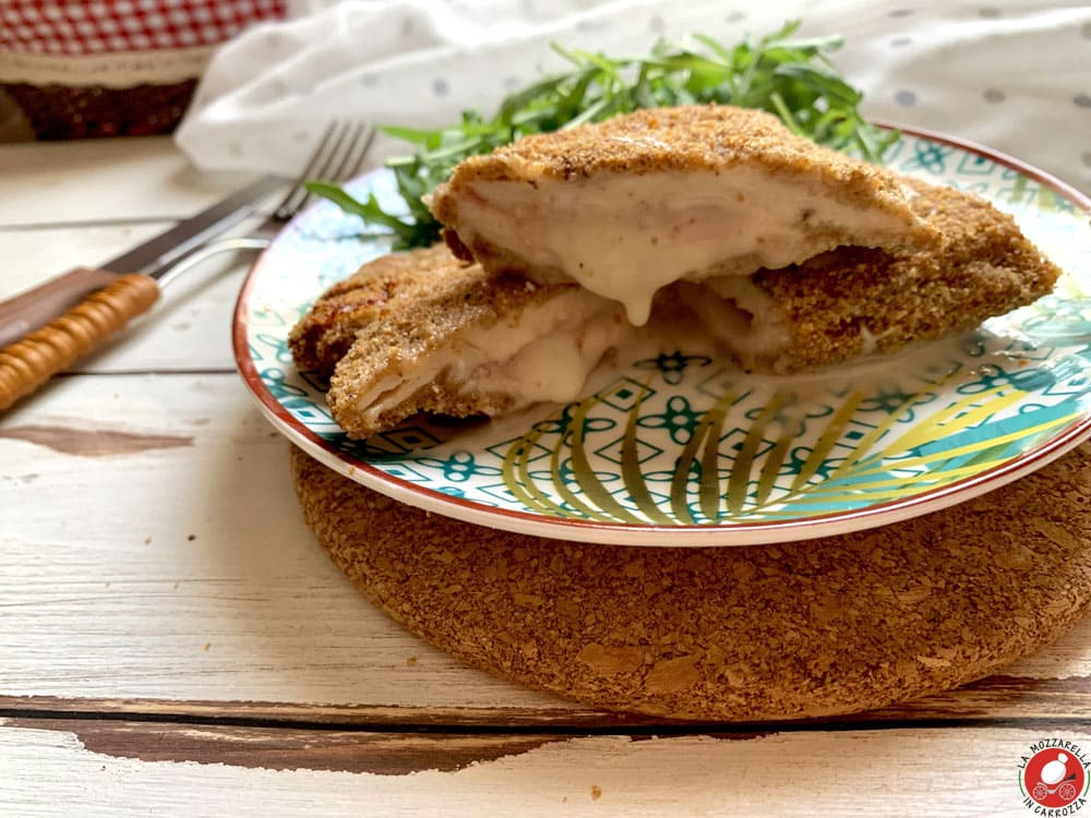 La Mozzarella in Carrozza - Chicken Cordon Bleu