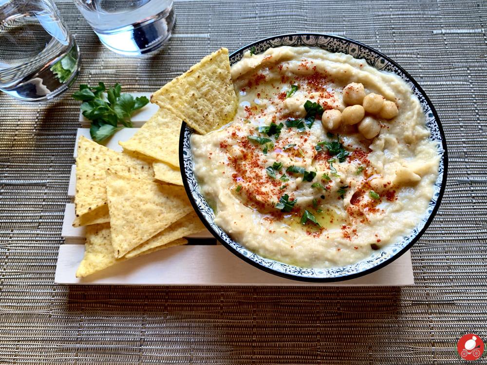 La Mozzarella in Carrozza - Hummus