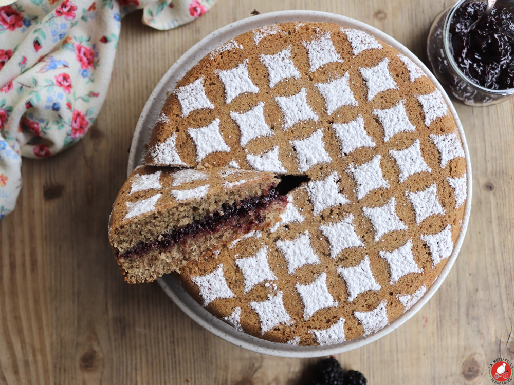 La Mozzarella in Carrozza - Buckwheat cake with blackberry jam