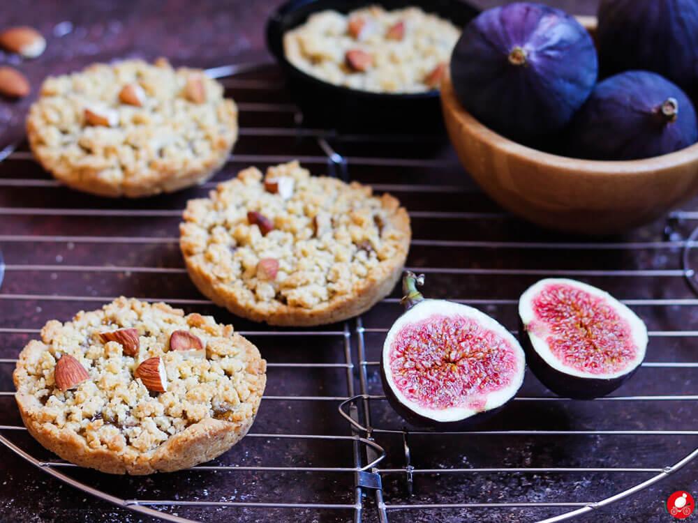 La Mozzarella In Carrozza - Mini sbrisolone con marmellata di fichi, ricetta senza burro e senza zucchero