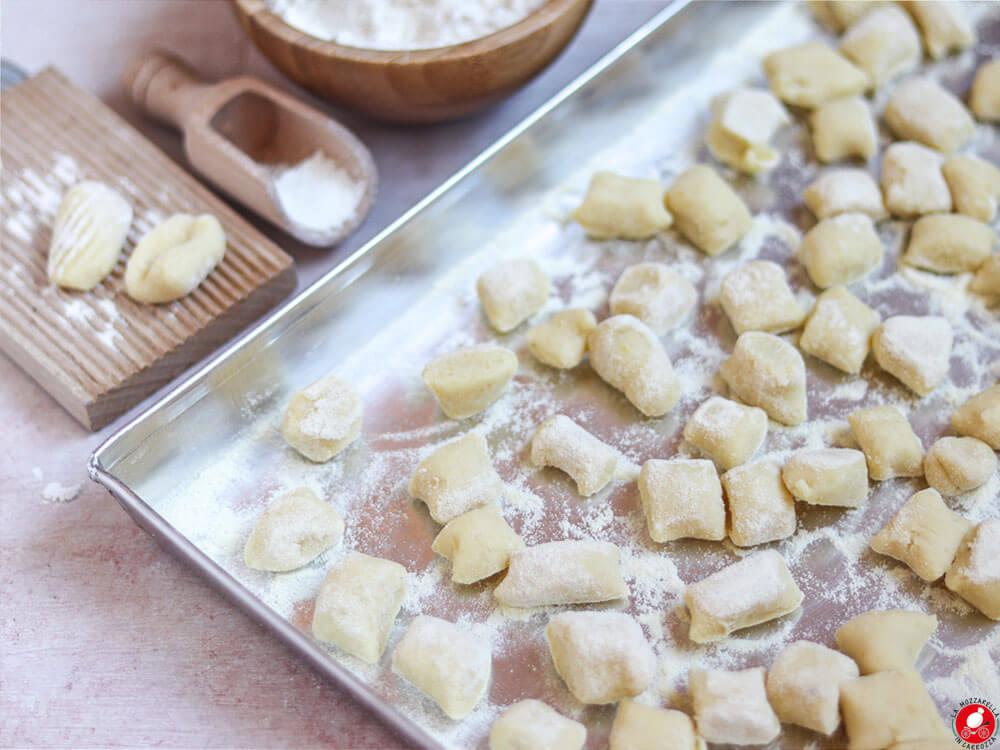 La Mozzarella In Carrozza - Gnocchi, no eggs recipe