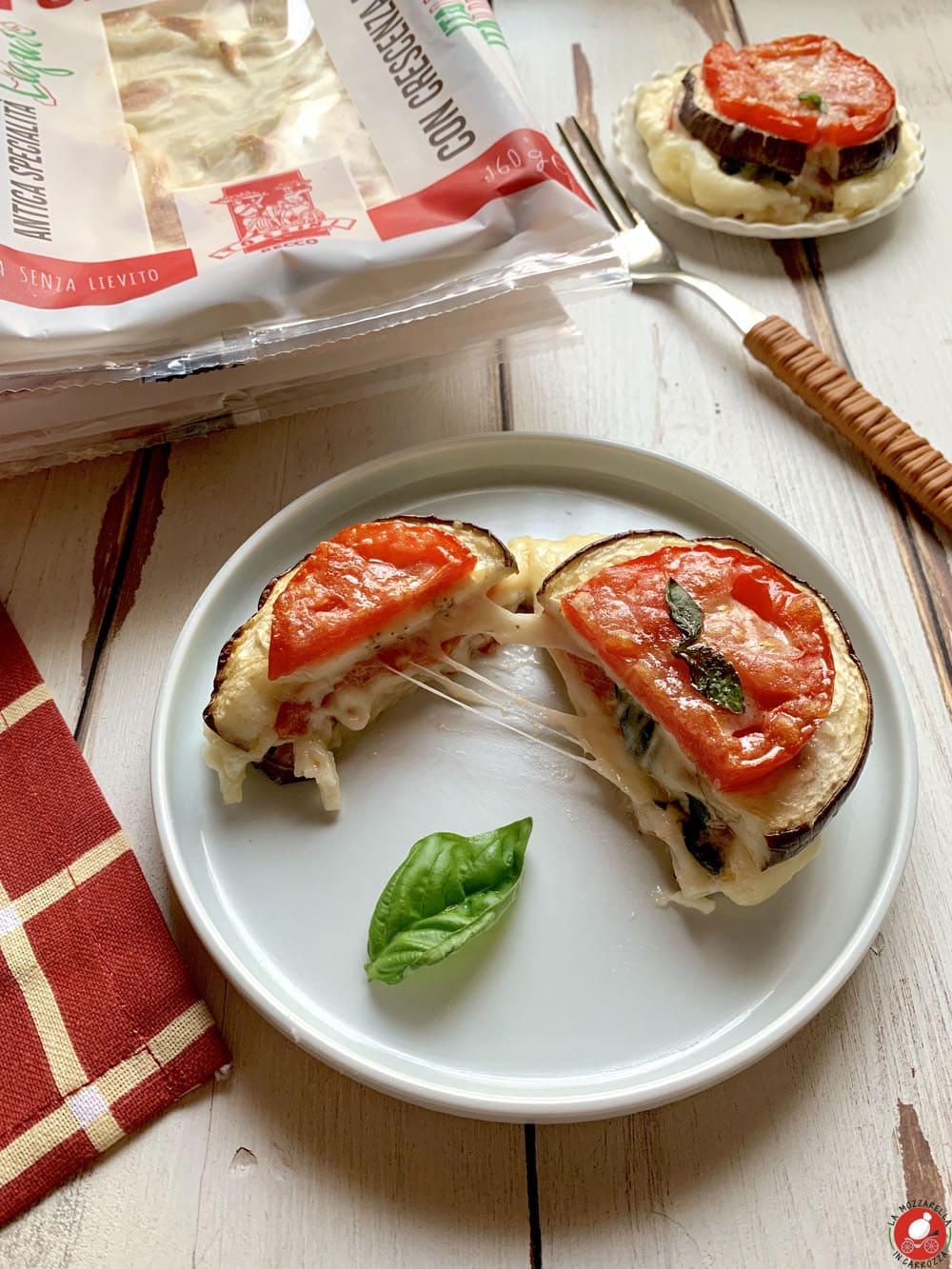 La Mozzarella in Carrozza - Parmigiana light con Focaccia al Formaggio @Tossini