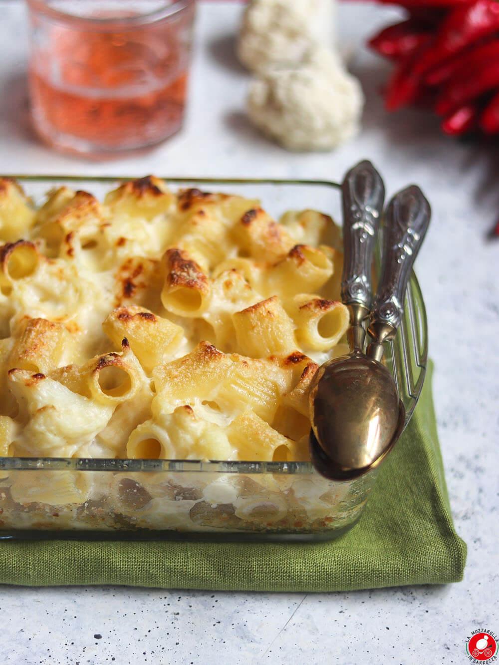 La Mozzarella In Carrozza - Pasta e cavolfiore gratinata