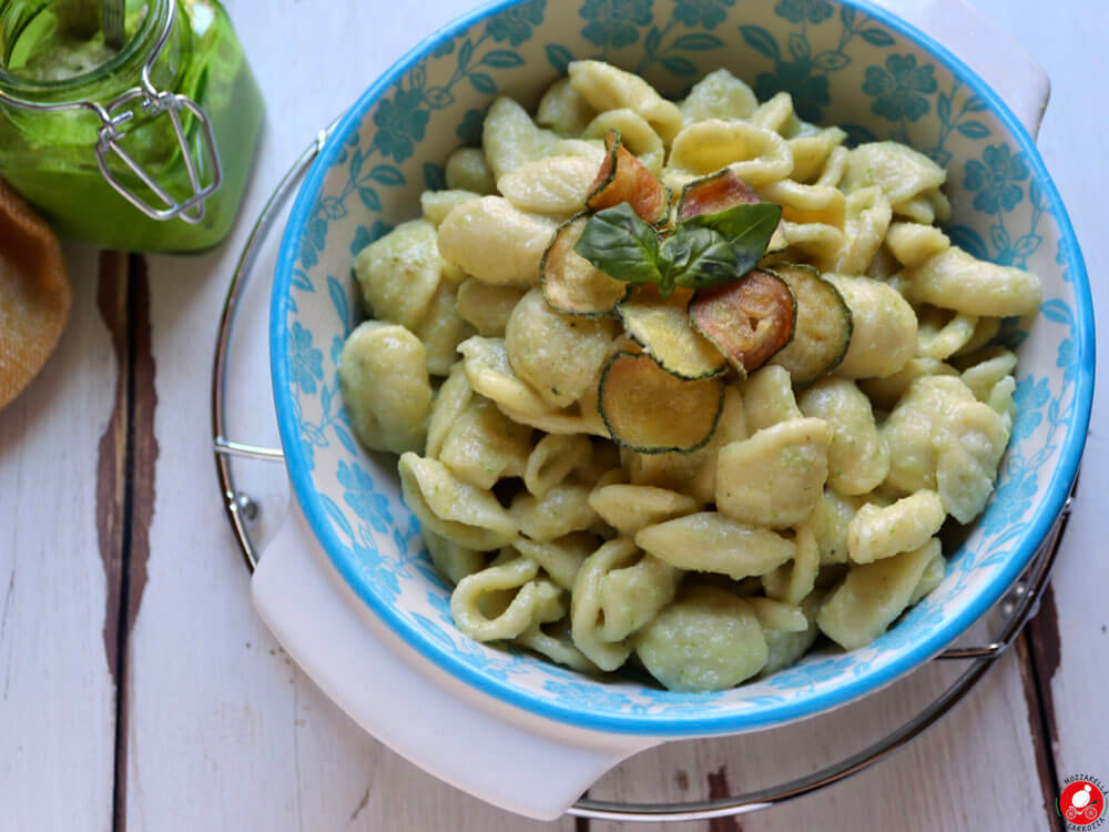 La Mozzarella In Carrozza - Pasta with zucchini pesto