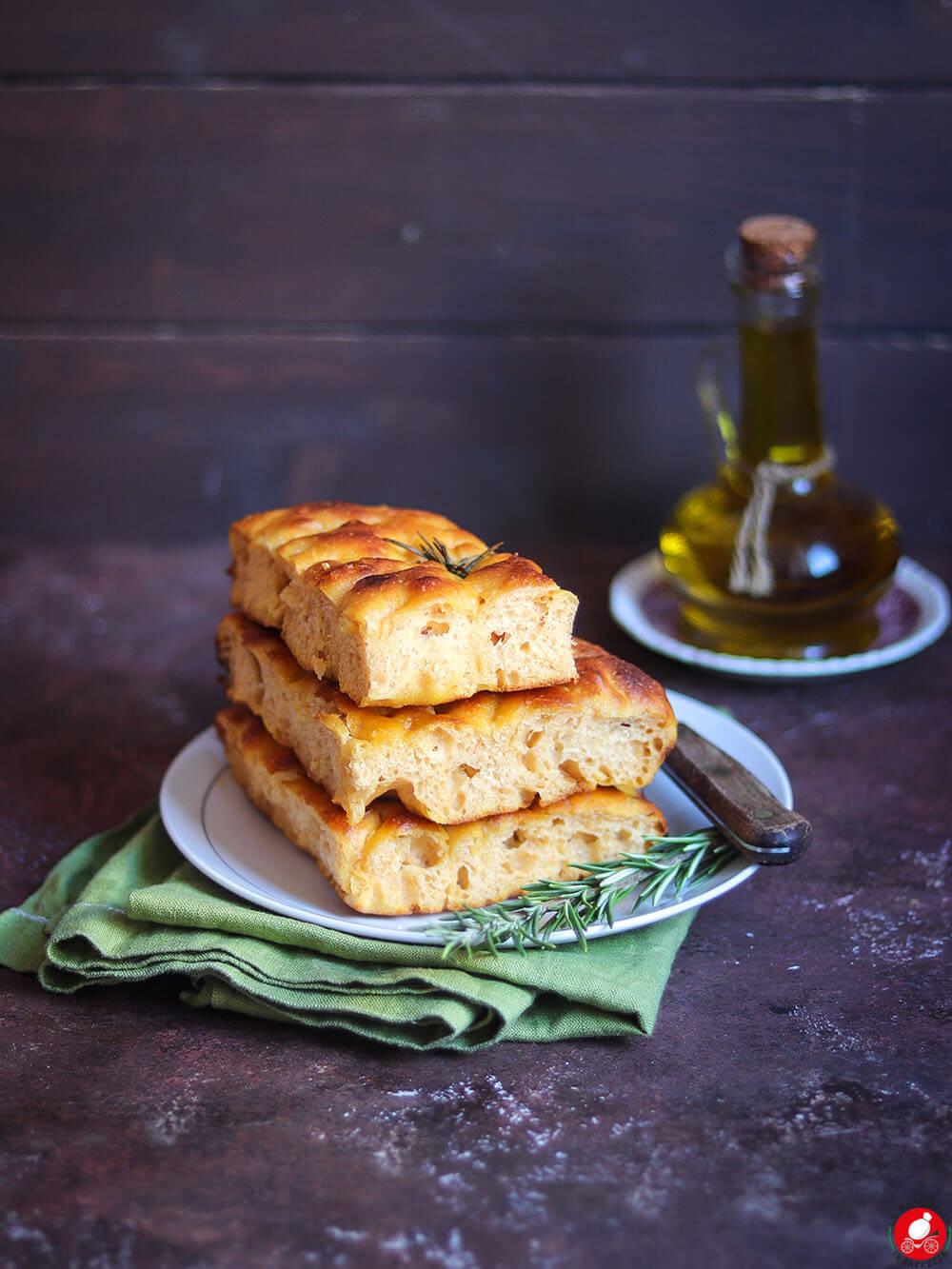La Mozzarella In Carrozza - Focaccia alla zucca
