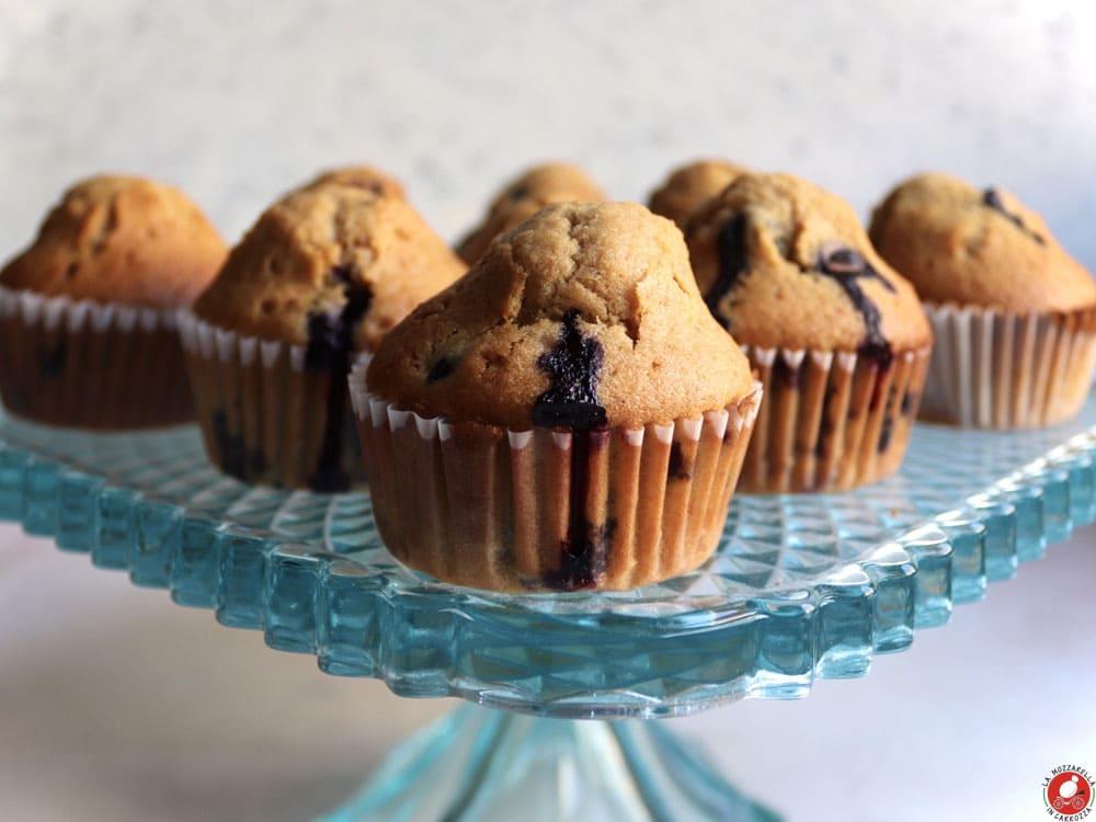 La Mozzarella In Carrozza - Muffins ai mirtilli e gocce di cioccolato bianco